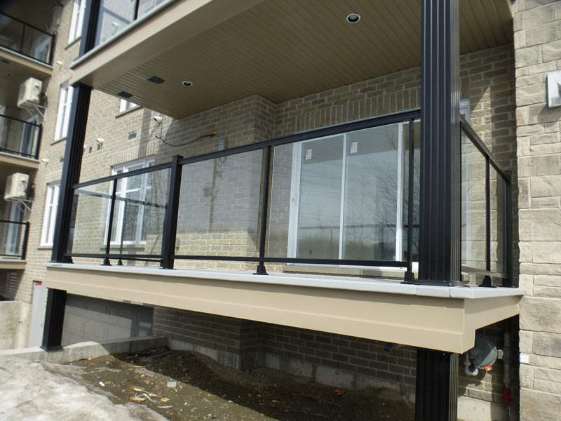 rampes en verre et garde corps ext rieur montreal solutions aluminium. Black Bedroom Furniture Sets. Home Design Ideas